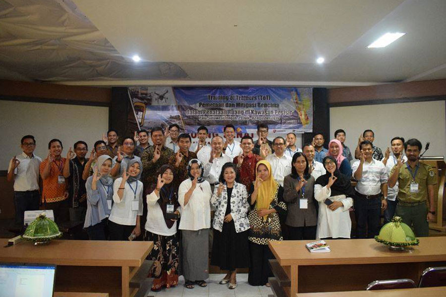 BIOTROP Organizes Training Course on Disaster Mitigation in Coastal Areas for Central Sulawesis School Teachers